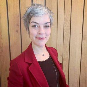 Fabienne Carreira, receptionniste et vendeuse à l'Espace City'zen Paris, Studio de Yoga et boutique bio à Paris 12