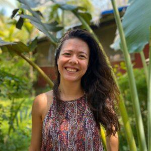 Laure Favreliere profresseur de yoga Vinyasa